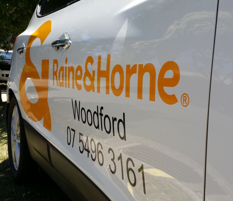 Cast Vinyl Lettering – Vehicles Woodford Qld