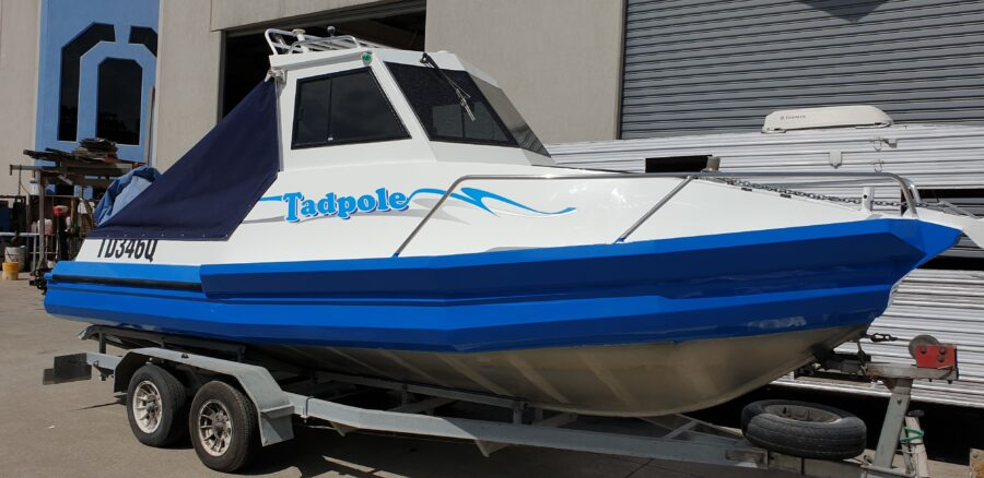 Boat Names, Lettering and stripes – Brisbane and the Sunshine Coast